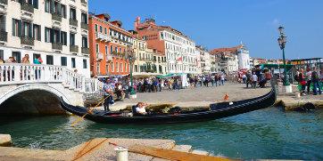浪漫水上威尼斯之夜-贡多拉私人定制游览和贵族晚宴
