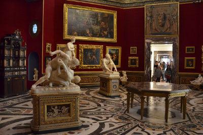 乌菲齐美术馆 (Uffizi Gallery)